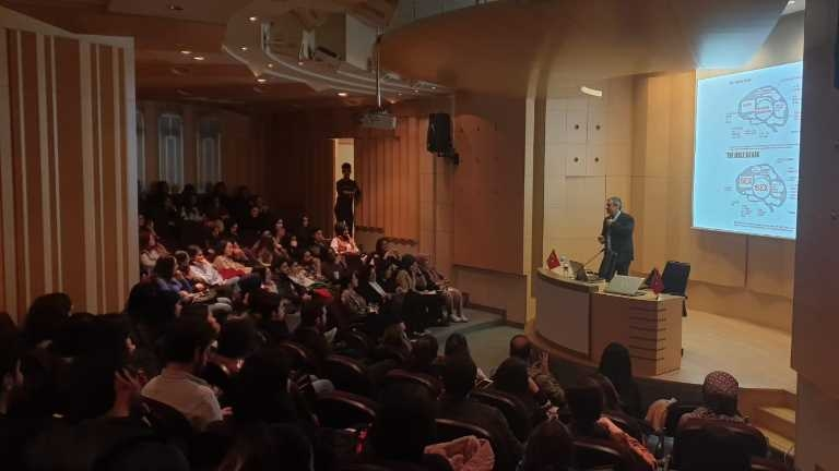 İGÜ Psikoloji Öğrenci Topluluğu Konferans 1