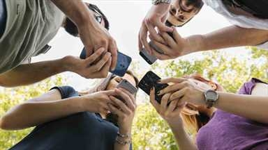 Sosyal medyada fenomen olma isteği 'paylaşım hastalığını' doğuruyor