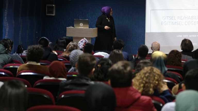 'İşitsel Rehabilitasyonda Eğitimsel Değerlendirme ve Terapi Yaklaşımları' etkinliği düzenlendi