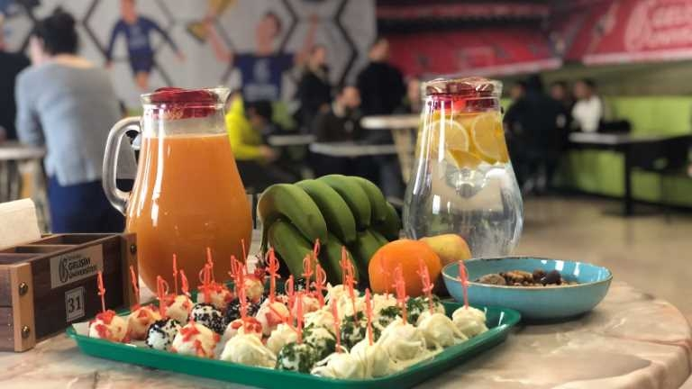 Healthy lifestyle cafe from university students