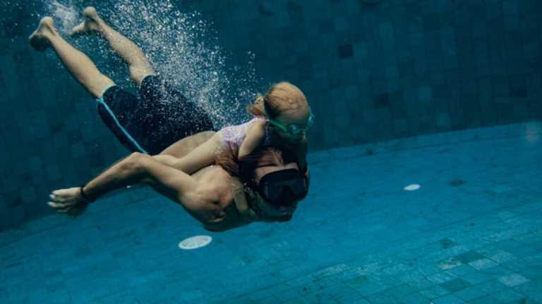 Marmaris Yıldızları Gençlik ve Spor Kulübü Yöneticisi ve Eğitmeni Doğan Karakaş çocuk yüzme adaylarına yaklaşımlarla ilgili önemli açıklamalarda bulundu.